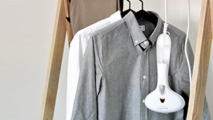 8 Ways To Get Rid Of Wrinkles On Your Clothes Without Using An Iron