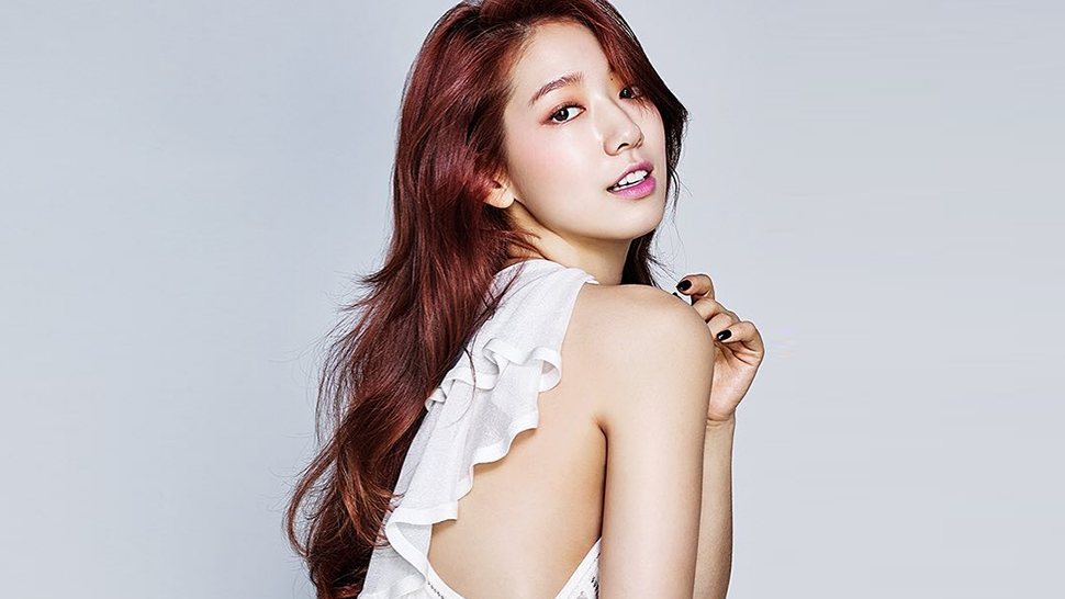 Park Shin Hye And Other Korean Stars Are Obsessed With These Fashion Brands
