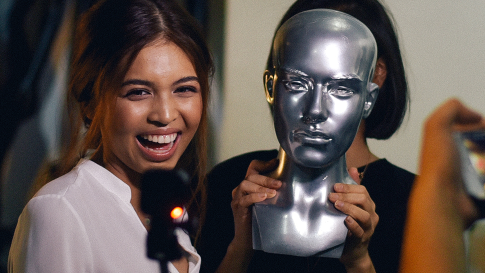 Here's What Really Happened During Maine Mendoza's Preview Cover Shoot