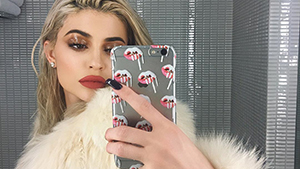 Makeup Artist Accuses Kylie Cosmetics Of Plagiarizing Her Work