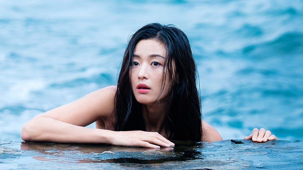 4 Beauty Products That Were Immediately Sold Out Because of Jun Ji Hyun