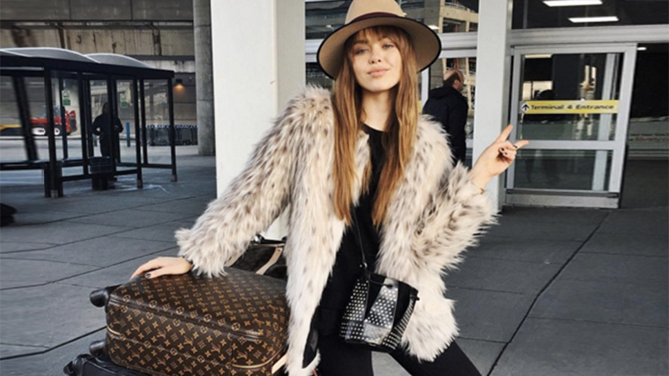 5 Cool Yet Comfy Outfits You Can Wear to the Airport