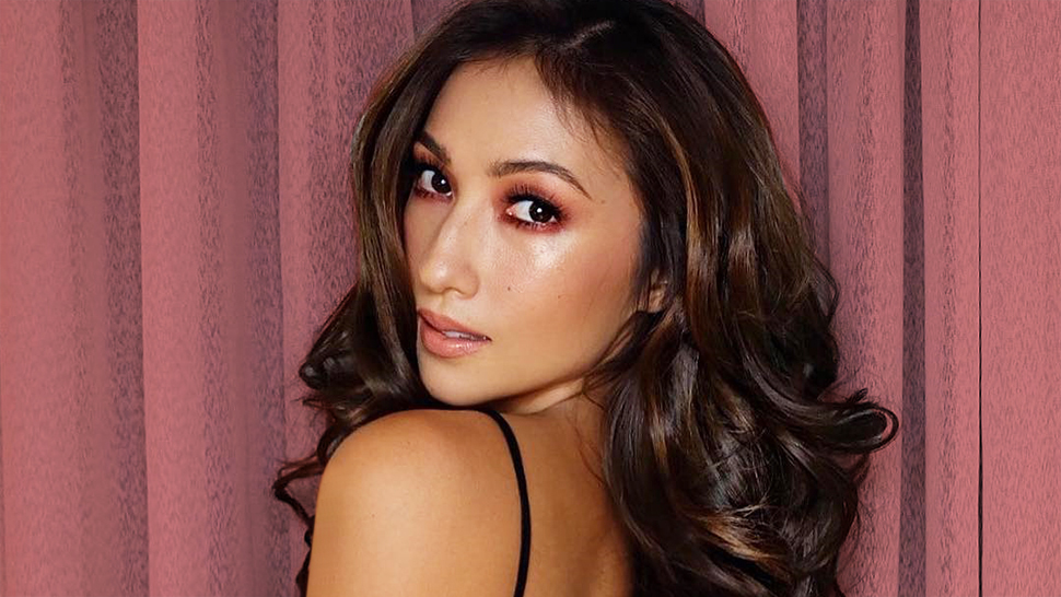 Lotd: How Solenn Heussaff Spiced Up Her Black Outfit