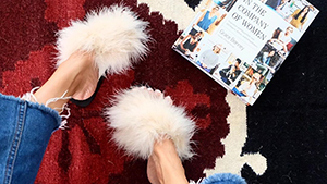 Here's How You Can Diy Your Own Pair Of Fluffy Sandals
