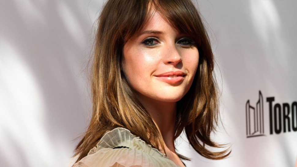 Lotd: Rogue One's Felicity Jones Is A Seventies Dream