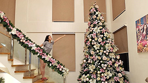 How The Celebs And Fashion Girls Decorated Their Christmas Trees