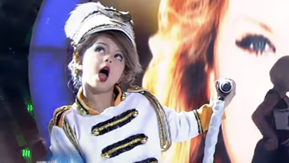 Taylor Swift's Filipino Mini-me Has Become A Viral Sensation!