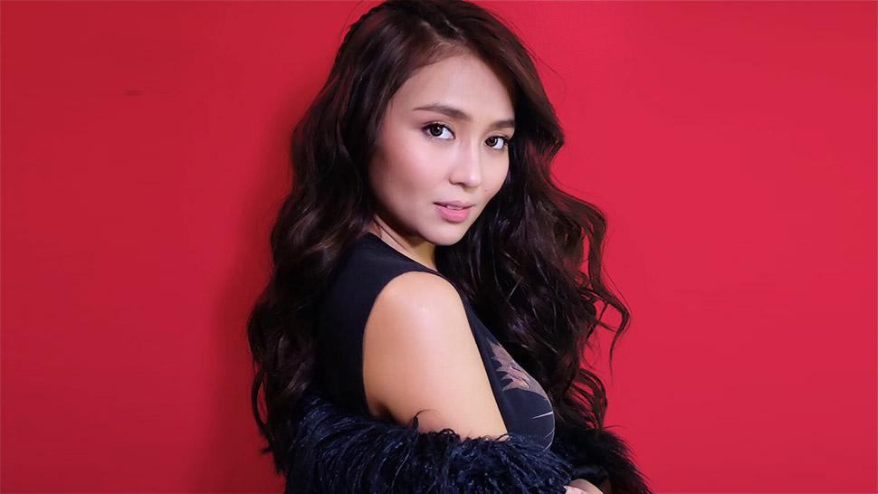 Lotd: Kathryn Bernardo Shows You How To Wear Glitter In A Subtle Way