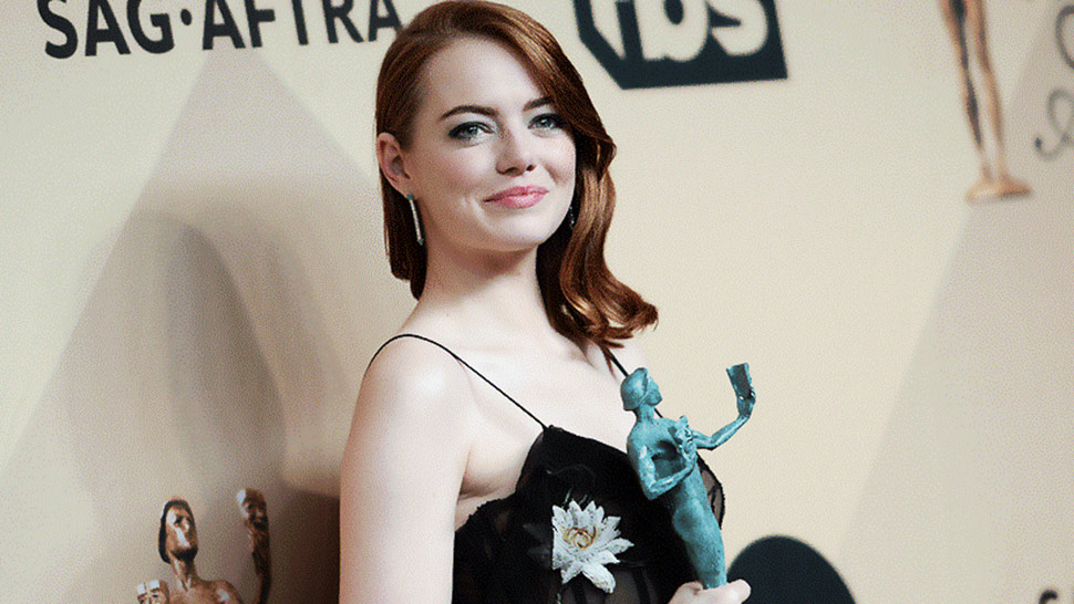 Lotd: Here's How To Steal Emma Stone's Watercolor-inspired Makeup At The Sag Awards