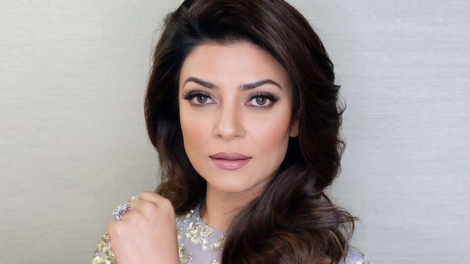 Lotd: Sushmita Sen Took Silver Eyeshadow Out Of The '70s