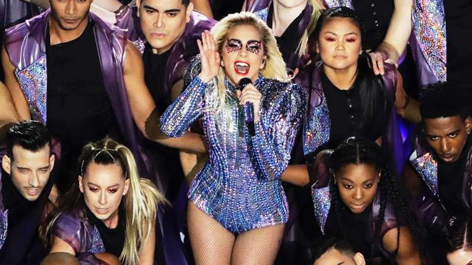 Lotd: We Can't Get Over Lady Gaga's Sparkly Stare At The 2017 Super Bowl Halftime