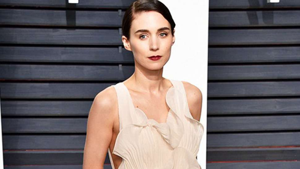 LOTD: Rooney Mara Skipped Designer Clothing and Opted for This Dress at the Oscars After-Party