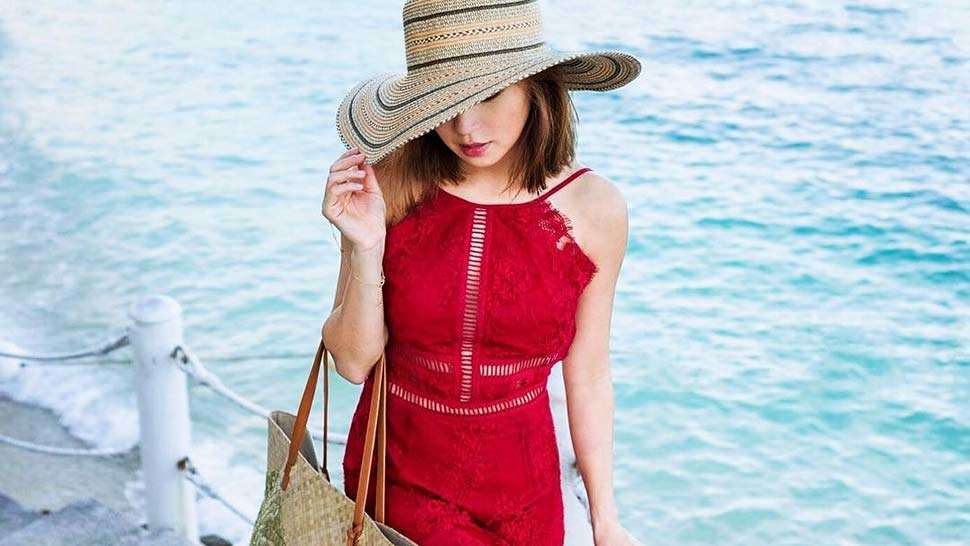 How To Cover Up At The Beach Like A Fashion Girl