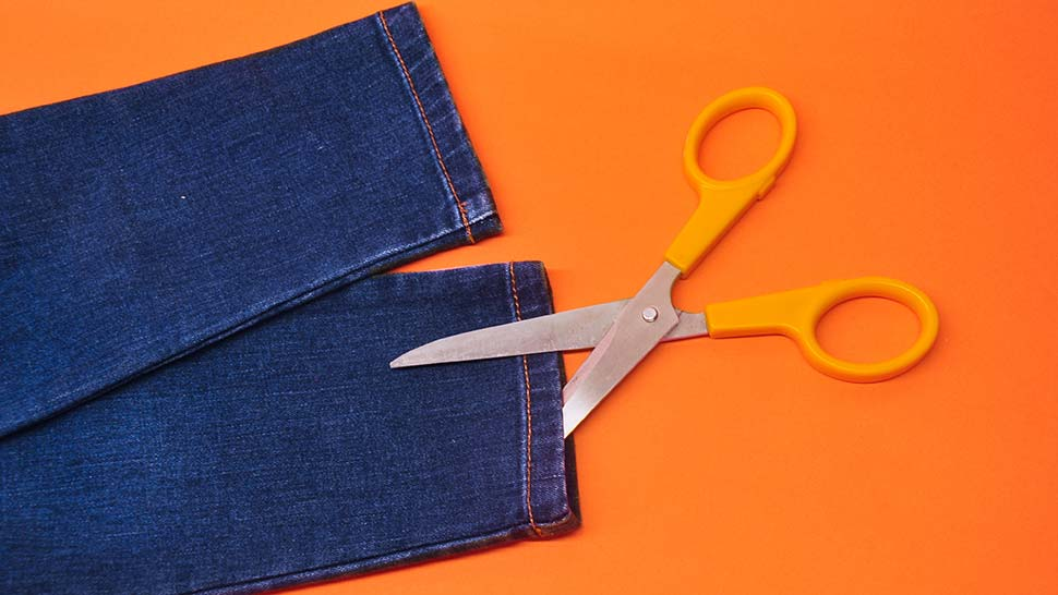 Diy Tutorial: How To Fray Your Denim Jeans