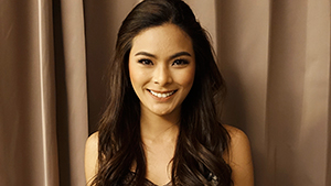 Here's How Maxine Medina Does Her Pageant Makeup