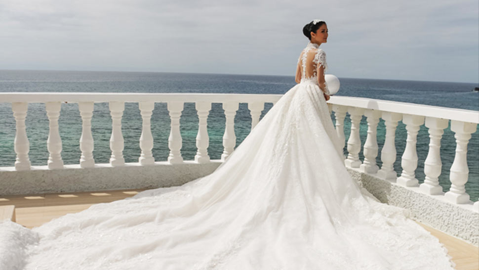 7 Beach Wedding Ideas You Can Steal From Your Favorite Celebs