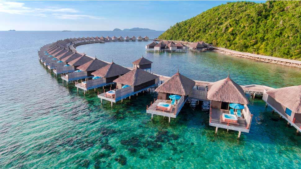 This Island Resort That Looks a Lot like Maldives' Overwater Bungalows Can Be Found in the Philippines
