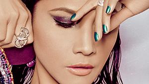 5 Gentler Ways To Remove Your Eye Makeup