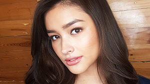 This K-pop Idol Looks A Lot Like Liza Soberano