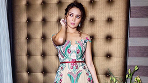 Kathryn Bernardo's Floral Embroidered Gown Is A Perfect Fit For A Box Office Queen