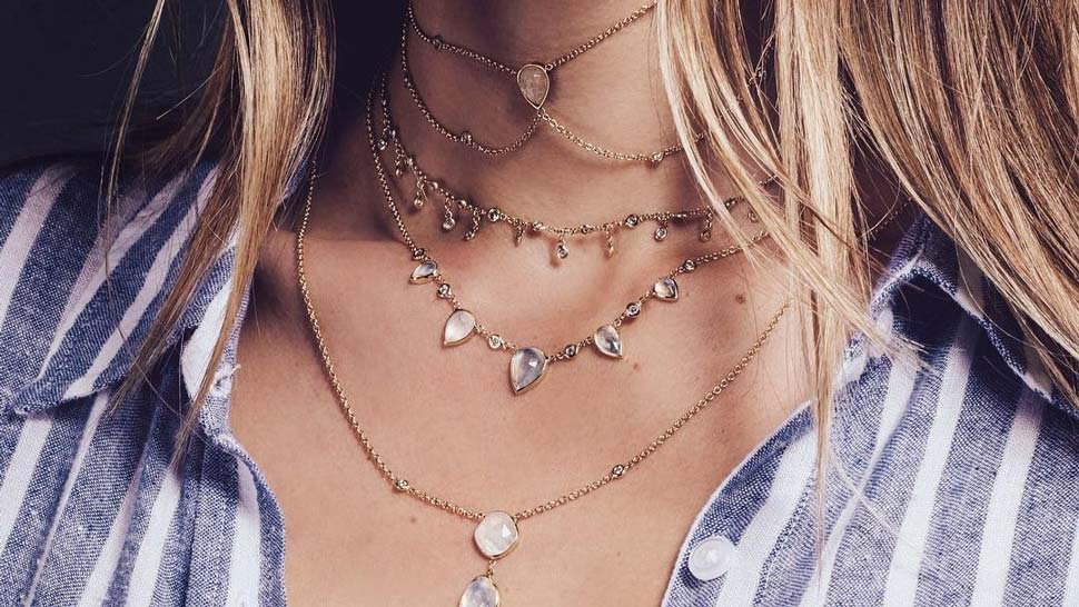 10 Dainty Necklaces You Can Easily Layer On