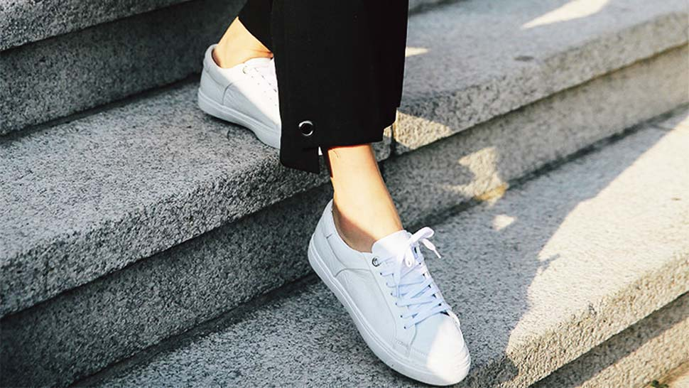 6 Stylish Ways To Wear Sneakers In Your 30s