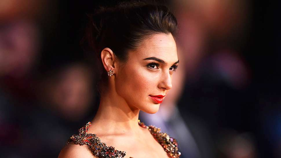Here's What Wonder Woman Looks Like on the Red Carpet