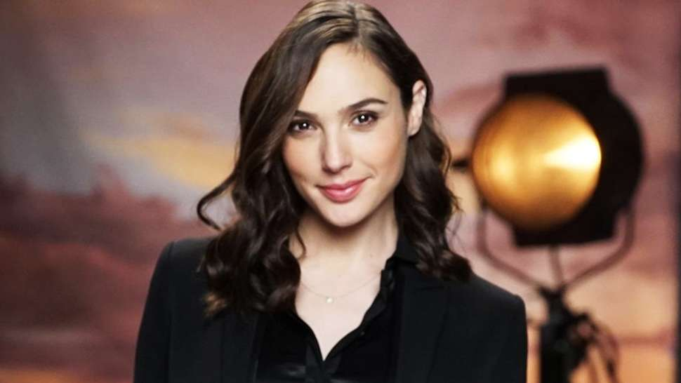 The Exact Beauty Products You Need To Steal Gal Gadot's Look