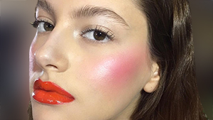 The Internet Is On A Heated Debate Over This Intense Blush Trend