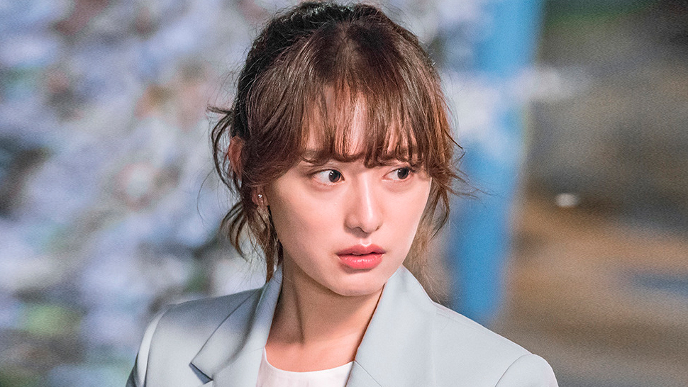 Here's How Kim Ji Won Keeps Her Skin Healthy