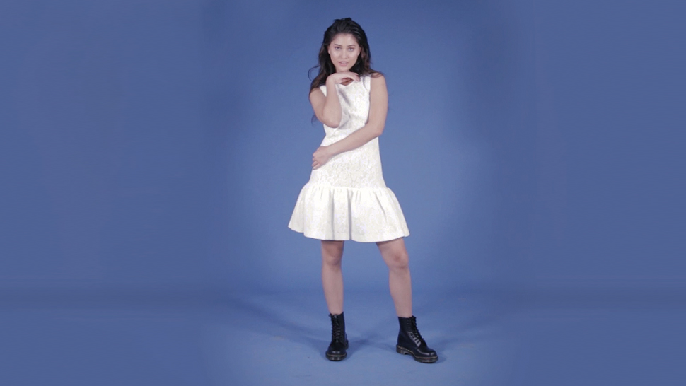 Find Out How Many Poses Maureen Wroblewitz Can Do In 1 Minute