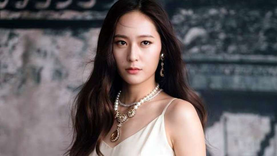 Here's How Krystal Jung Keeps Her Skin Healthy