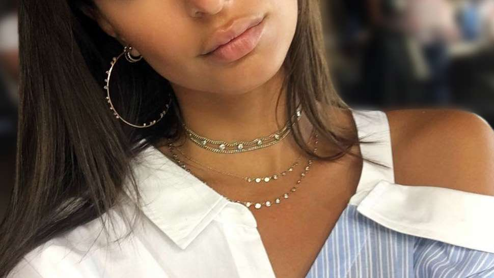 This Is The New Way You Should Be Wearing The Choker Trend