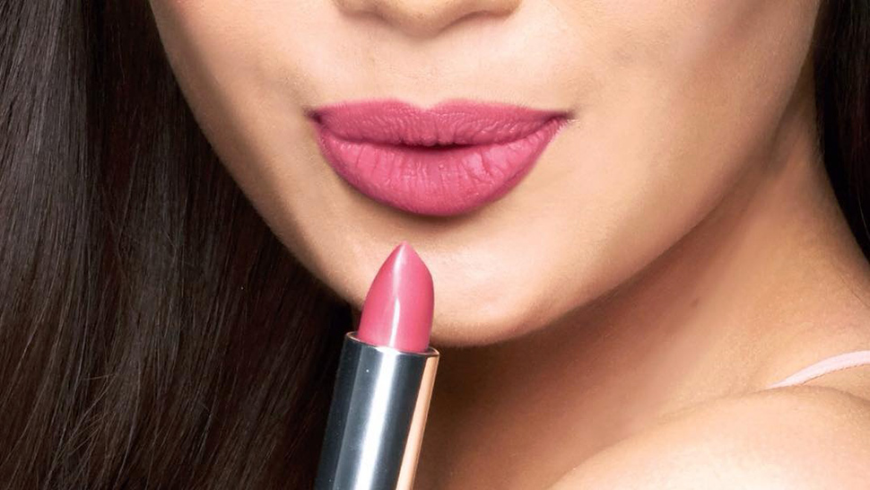 79 Out Of 130 Women Say They've Never Finished A Tube Of Lipstick