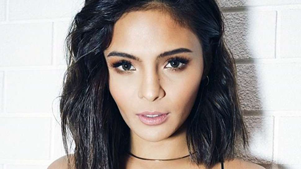LOTD: Here's an Unexpected Lip Color That Any Morena Can Pull Off