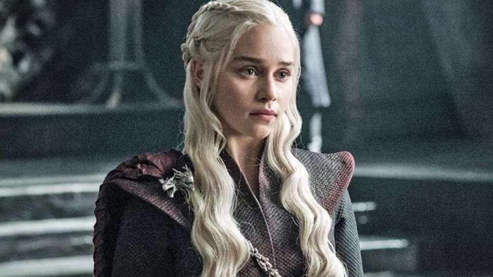 You Probably Missed These Crucial Details About Daenerys' New Costumes
