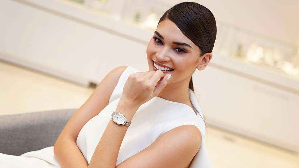 The One Accessory That Makes Traveling Easier For Pia Wurtzbach