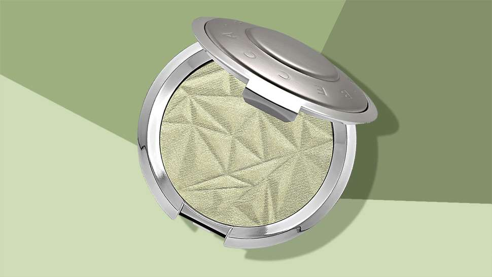 Becca Cosmetics Is Trying to Make Mint Highlighter Happen