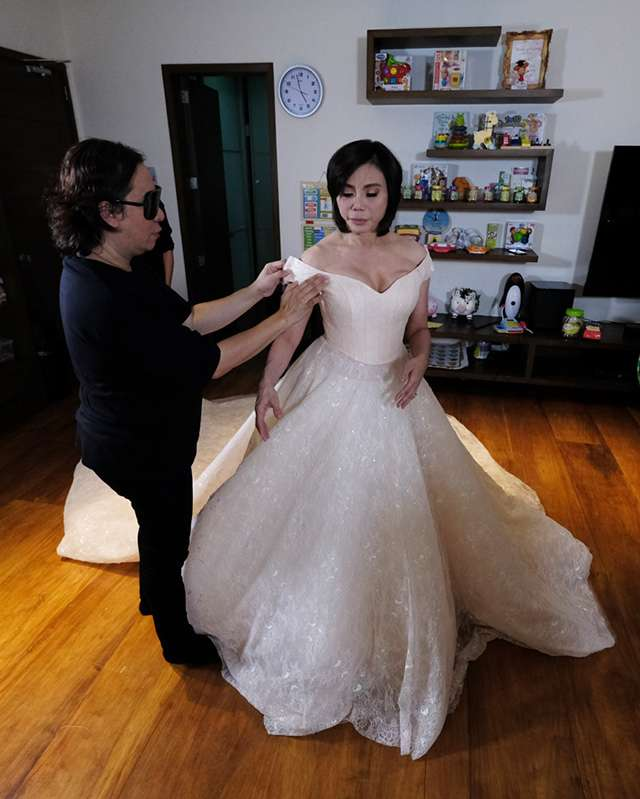 All the Gorgeous Details About Vicki Belo\'s Michael Cinco Wedding ...