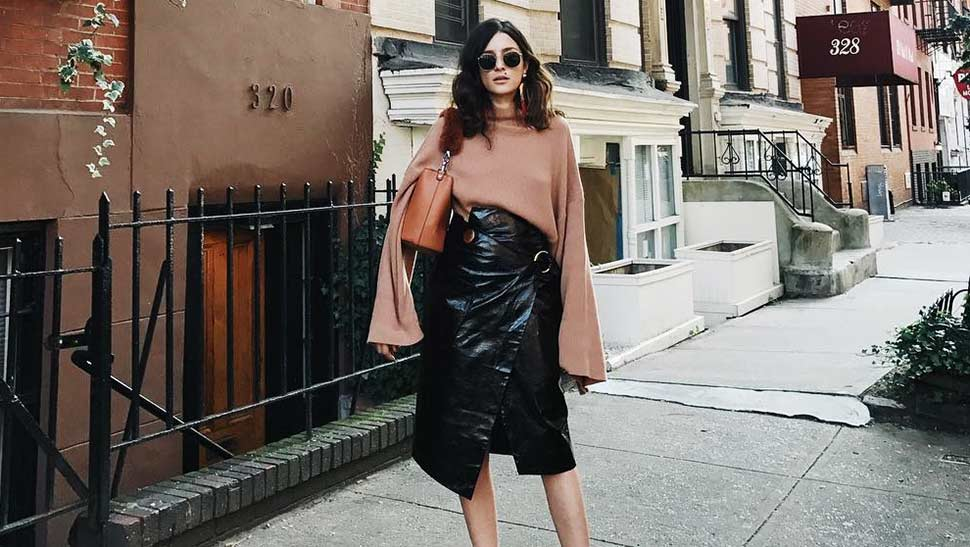 10 Ways To Pull Off The Extra-long-sleeves Trend In Real Life