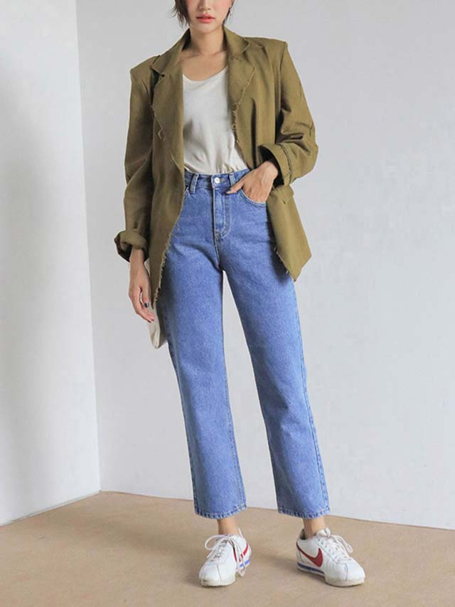 f2744a26056 10 Perfect Pairs Of Mom Jeans You Can Shop Right Now
