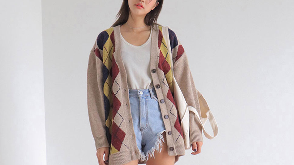 10 Comfy, Oversized Cardigans That Are Perfect For Rainy Days