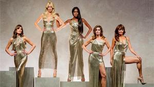 Versace's Most Epic Runway Finale Reunites The '90s Supermodels