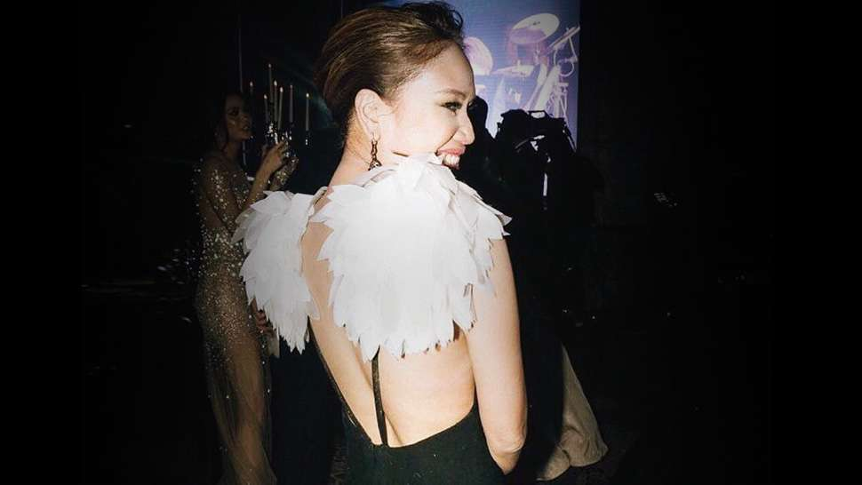 LOTD: You Have to See Dr. Aivee Teo's Swan-Inspired Gown
