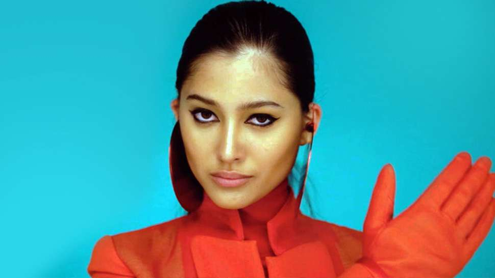 Here's Proof That Maureen Wroblewitz Can Pull Off Any Runway Look