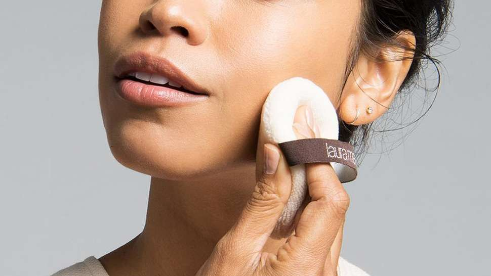 5 Interesting Uses for Face Powder You Probably Didn't Know About