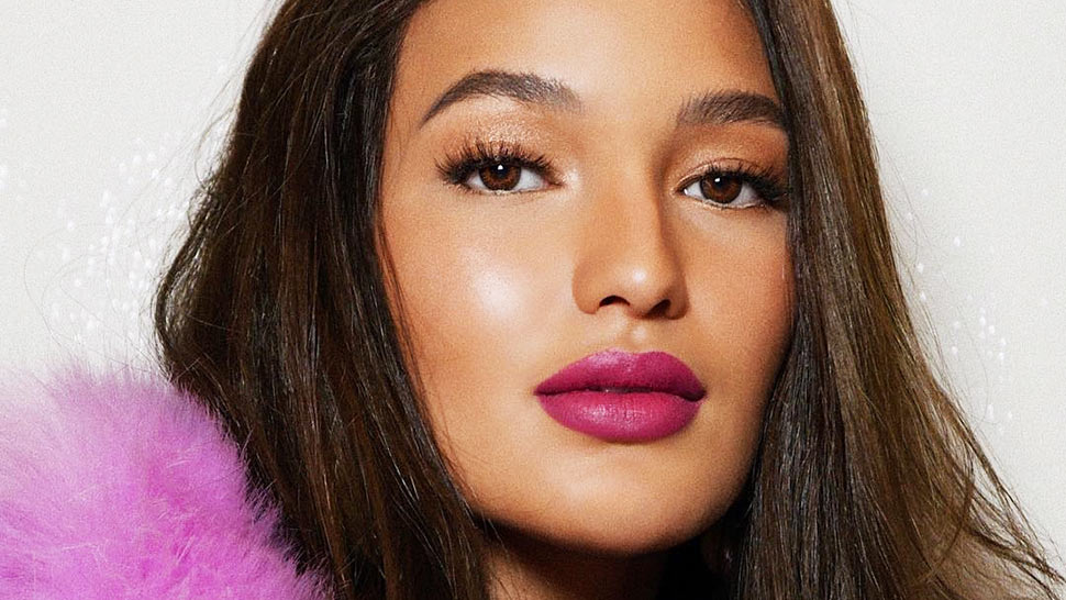 LOTD: How to Tone Down Bold Lipstick for Everyday Wear