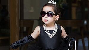 Scarlet Snow Belo Shuts Down Halloween In Her Audrey Hepburn Costume