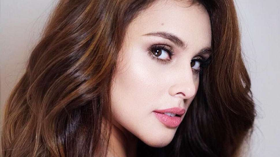 How Max Collins Takes Care of Her Combination Skin
