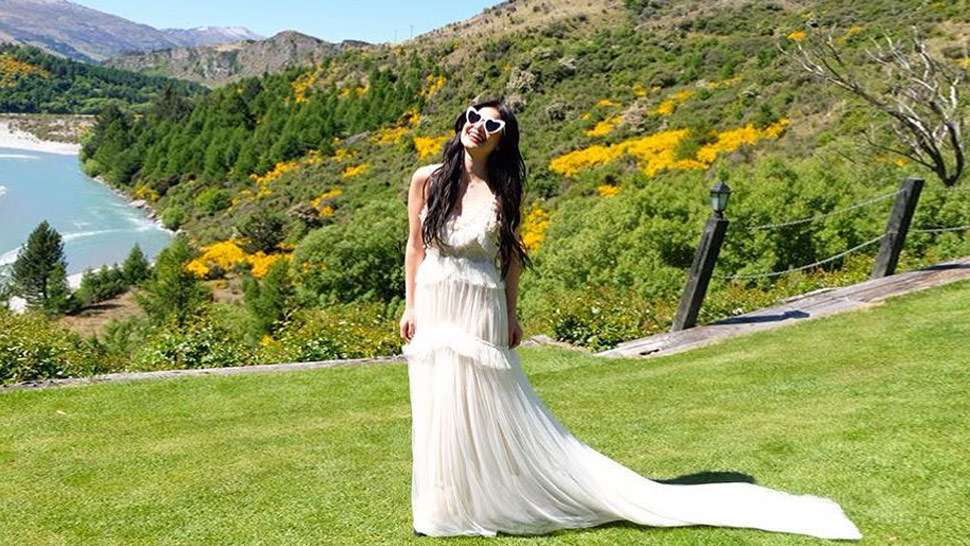 Here's Your First Look At Anne Curtis' Pre-wedding Dress